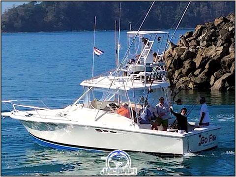 Just Fishin' Off - 31' Luhrs Express from Los Suenos Marina