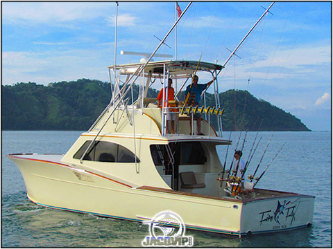 Fishing in Costa Rica with 6 anglers aboard the Fire Fly