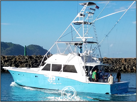 52 Foot Hatteras Sportfishing in Costa Rica Scatterbrain