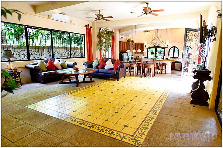 Large Living room at Villa Antigua